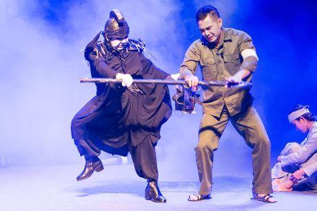 Nghe si Bach Long, Trung Dung duoc huy chuong tu 'Giac mo' - Anh 2