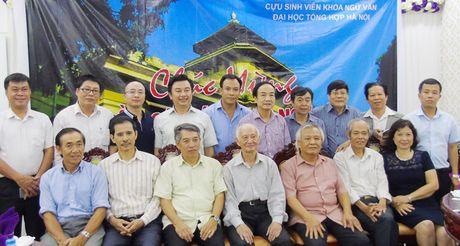 60 nam ngay truyen thong khoa Ngu Van – Dai hoc Tong hop Ha Noi: Dao thay tro va nhung bai hoc lam nguoi - Anh 1