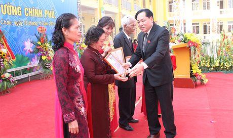 Truong THCS Phung Chau don Bang khen cua Thu tuong Chinh phu - Anh 3