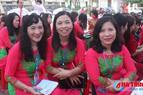 Trang trong mit tinh ky niem ngay Nha giao Viet Nam - Anh 8