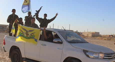 O Syria sap bat dau giai doan 2 chien dich giai phong Raqqa - Anh 1