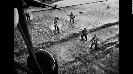 Vu khi Chu Sam 'dam lung' quan My tren chien truong Viet Nam - Anh 1