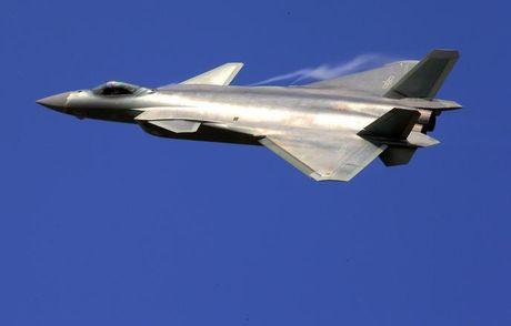 Cuu Trung tuong Nga: Moscow van chua ky thoa thuan ban may bay Su-35, ten lua S-400 cho Trung Quoc - Anh 3