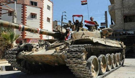 Quan doi Syria dot pha tuyen phong ngu phia nam Aleppo - Anh 1