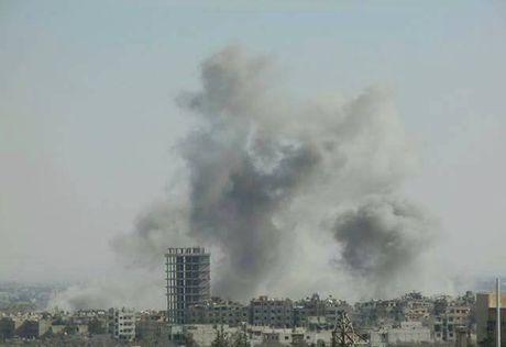 Khong quan Syria doi lua xuong phien quan o ngoai o Damascus - Anh 1