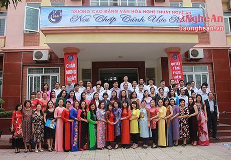 Truong Cao dang Van hoa Nghe thuat ky niem Ngay nha giao Viet Nam - Anh 3