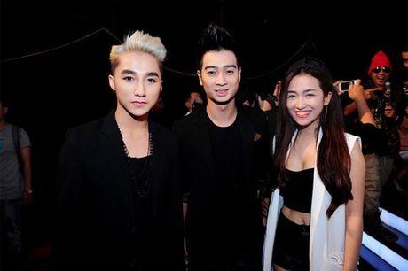 Nhin lai hanh trinh day tiec nuoi cua Son Tung M-TP tai The Remix mua dau tien - Anh 2