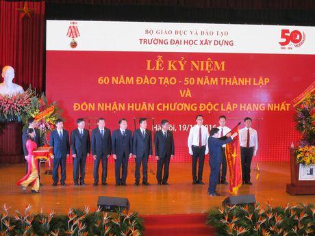 Dai hoc Xay dung don nhan Huan chuong Doc lap hang nhat lan 2 - Anh 1