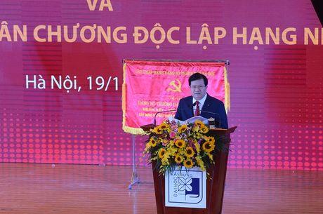 Dai hoc Xay dung don nhan Huan chuong Doc lap hang nhat lan 2 - Anh 3