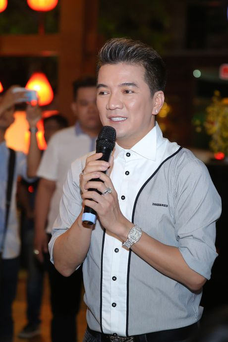 Quan quan 'Tuyet dinh song ca' bo nghe hat lo to de chay show cung Mr Dam - Anh 2