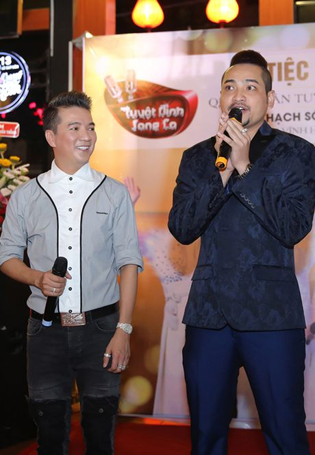 Quan quan 'Tuyet dinh song ca' bo nghe hat lo to de chay show cung Mr Dam - Anh 7