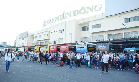 Ben xe Mien Dong phu thu 20 – 60% gia ve xe Tet Dinh Dau - Anh 1