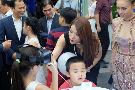 Samsung va Mai Nguyen mo cua hang o trung tam dac dia cua Sai Gon - Anh 4
