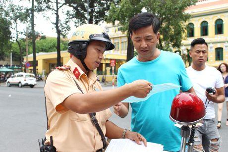 Loi xe khong chinh chu: CSGT TP.HCM noi gi? - Anh 1