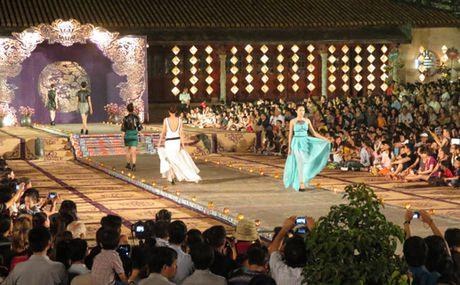 Nhin lai 9 ky Festival to chuc tai Hue - Anh 2