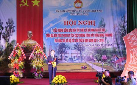 Bieu duong dong bao dan toc va dong bao co dao trong xay dung NTM - Anh 1