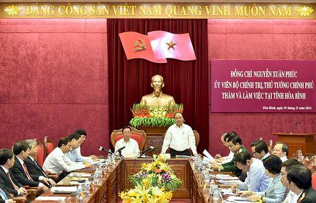 Thu tuong mong muon tinh Hoa Binh phai chuyen dong manh me - Anh 2