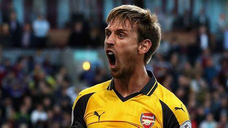 Rashford thay Ibra tren hang cong doi hinh sao MU - Arsenal - Anh 6