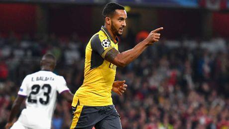 Rashford thay Ibra tren hang cong doi hinh sao MU - Arsenal - Anh 9
