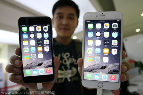 Apple nhan loi va thay pin iPhone 6S chet hang loat o TQ - Anh 1