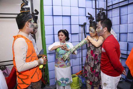 Minh Nhi buon long vi dien vien tre khong nho on thay co - Anh 4