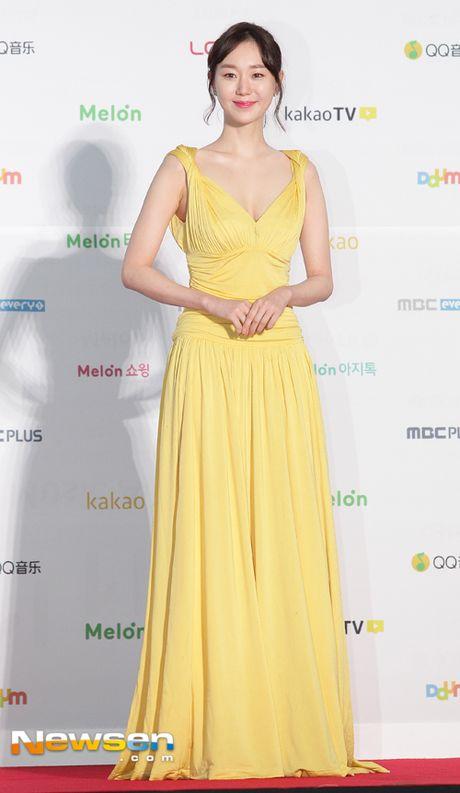 Dan sao Han khoe sac tren tham do Melon Music Awards 2016 - Anh 4
