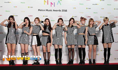 Dan sao Han khoe sac tren tham do Melon Music Awards 2016 - Anh 9