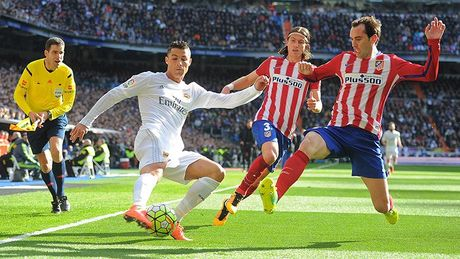 Derby Madrid: Ronaldo so Simeone nhu the nao? - Anh 1