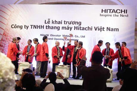 Hitachi co the dau tu nha may san xuat thang may tai Viet Nam - Anh 1