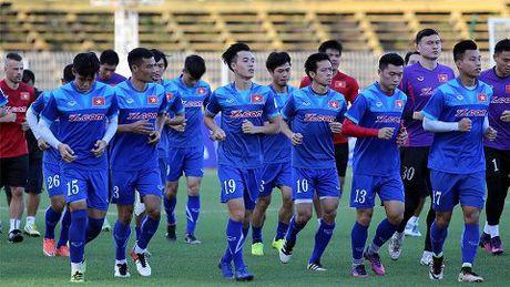 CAP NHAT sang 19/11: Nha cai danh gia cao Viet Nam tai AFF Cup. Mourinho 'day bao' HLV Everton - Anh 1