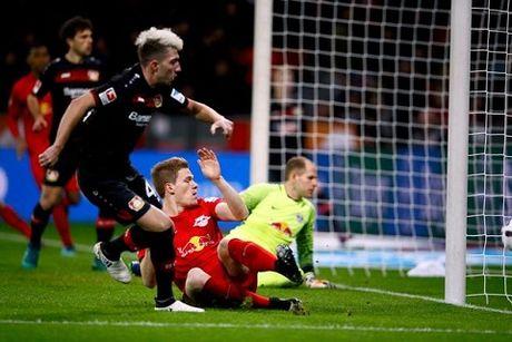 Doi bi ghet nhat Bundesliga lap ky luc, tam soan ngoi dau cua Bayern - Anh 1
