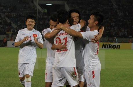 Ket qua Myanmar - Viet Nam 1-2: Van Quyet, Cong Vinh lap cong - Anh 1