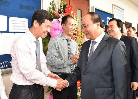 Thu tuong tham quan khu do thi dai hoc dau tien cua ca nuoc - Anh 3