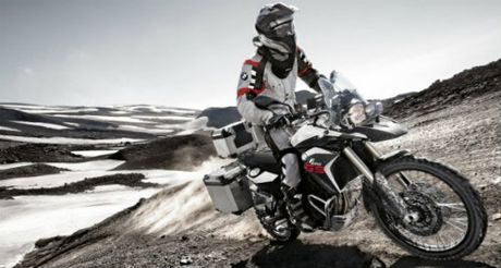 BMW F800GS Adventure va Yamaha FJ-09: Ai do van ai? - Anh 5