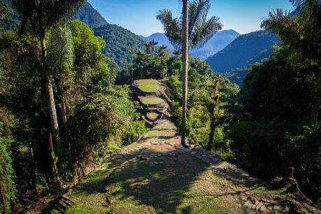 Choang ngop voi thanh pho co dang khai quat tai Colombia - Anh 2