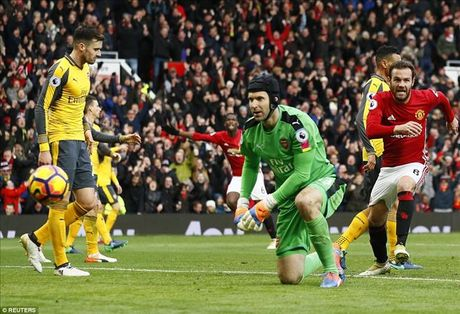 Man United 1-1 Arsenal: Nguoi tinh chiu troi tinh - Anh 1