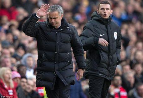 Jose Mourinho: Man Utd la doi kem may man nhat Premier League - Anh 2