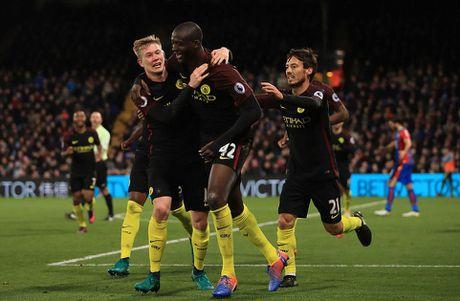 Yaya Toure giup Guardiola thoat hiem o Selhurst Park - Anh 11