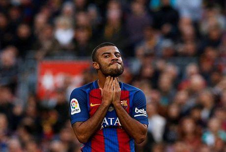 Neymar bat luc, Barca khong the thang 9 nguoi Malaga trong ngay vang Suarez va Messi - Anh 4