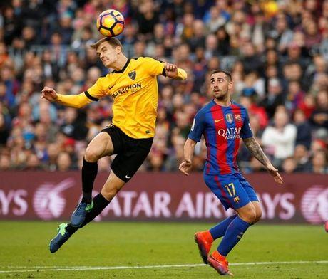 Neymar bat luc, Barca khong the thang 9 nguoi Malaga trong ngay vang Suarez va Messi - Anh 6
