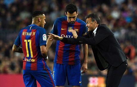 Neymar bat luc, Barca khong the thang 9 nguoi Malaga trong ngay vang Suarez va Messi - Anh 8