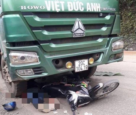 Nhung vu tai nan giao thong tham khoc tuan qua (13/11-19/11) - Anh 1