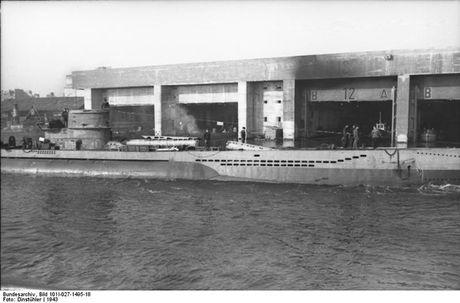 Kinh ngac quy mo can cu tau ngam U-boat cua Duc - Anh 2