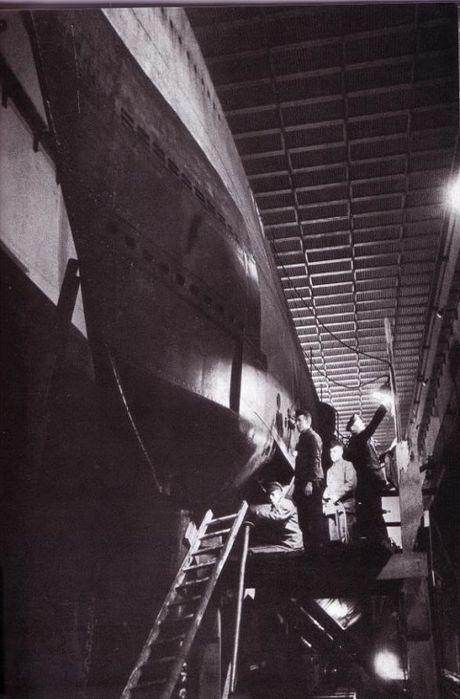 Kinh ngac quy mo can cu tau ngam U-boat cua Duc - Anh 7