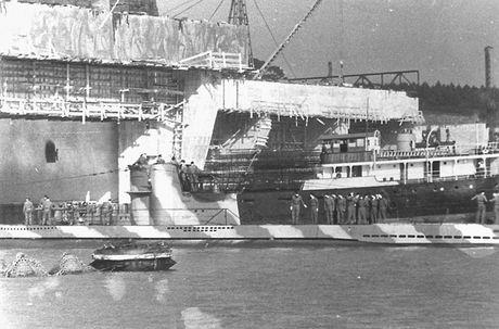 Kinh ngac quy mo can cu tau ngam U-boat cua Duc - Anh 8