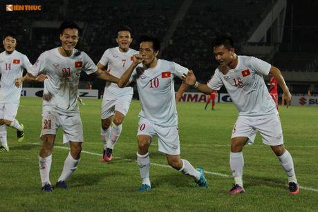 Bi BTC AFF Cup 2016 choi kho, CDV Viet Nam vuot kho chien thang - Anh 8