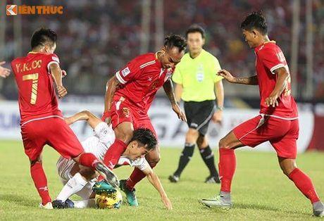Bi BTC AFF Cup 2016 choi kho, CDV Viet Nam vuot kho chien thang - Anh 5