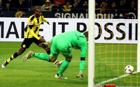 Bundesliga: Dortmund ha Bayern, RB Leipzig soan ngoi dau - Anh 1