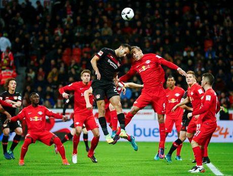Bundesliga: Dortmund ha Bayern, RB Leipzig soan ngoi dau - Anh 4