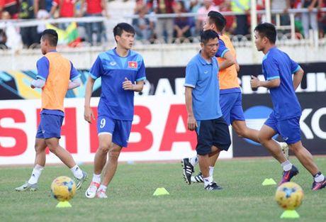 AFF Cup 2016: Cong Vinh va Van Quyet lap cong, tuyen Viet Nam ha Myanmar tai Thuwanna - Anh 13